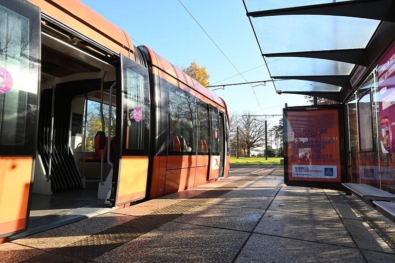 Le tramway, un moyen de transport accessible